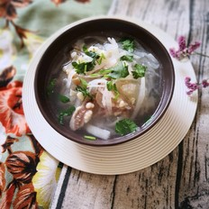 牛蹄筋萝卜汤
