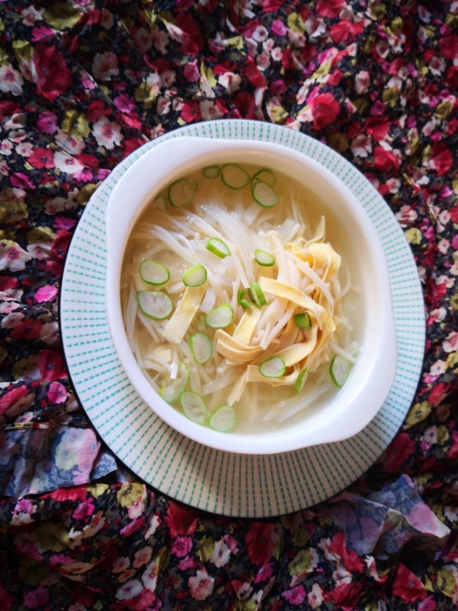 萝卜丝干豆腐汤