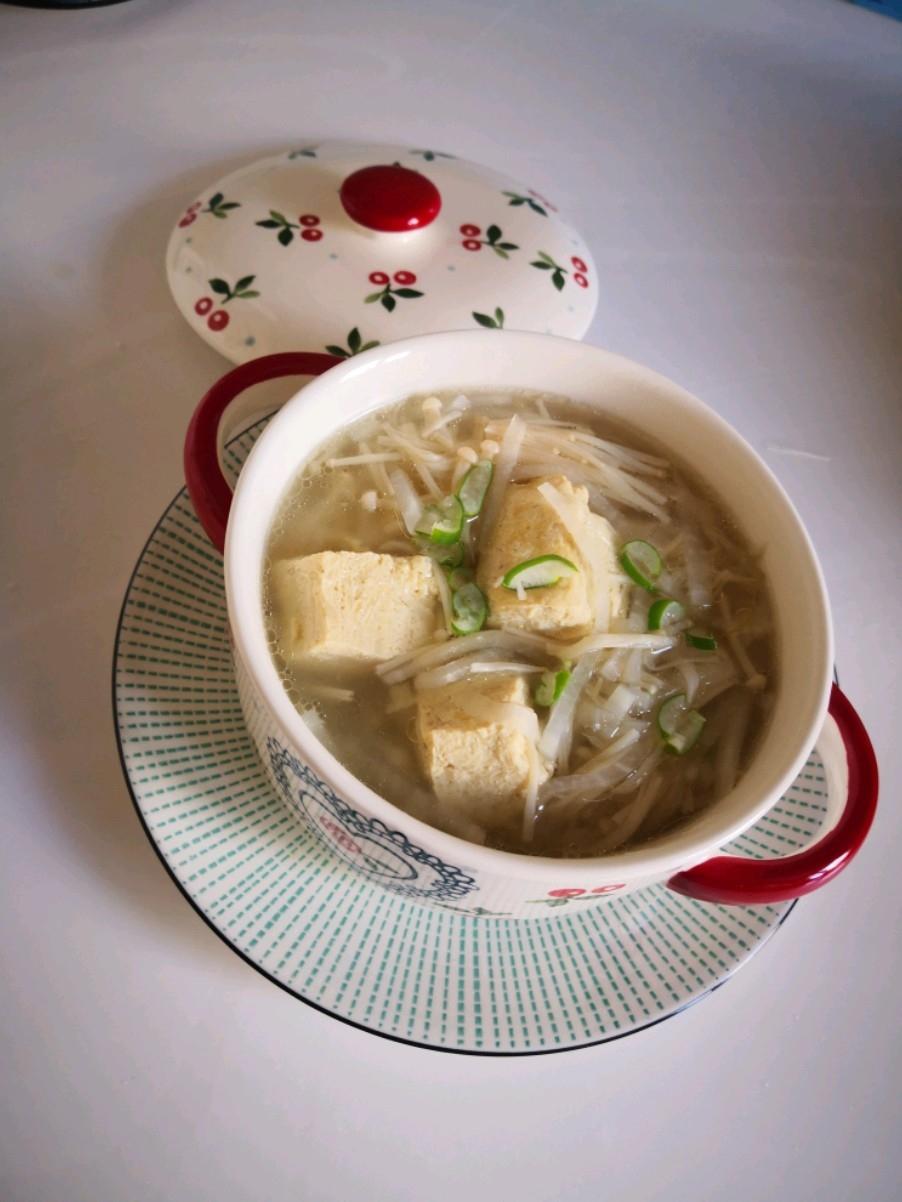 白萝卜冻豆腐汤