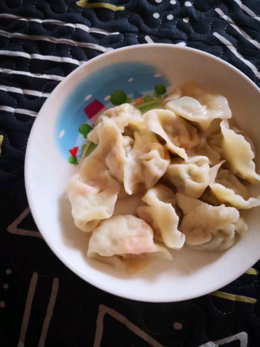 圆白菜虾仁水饺