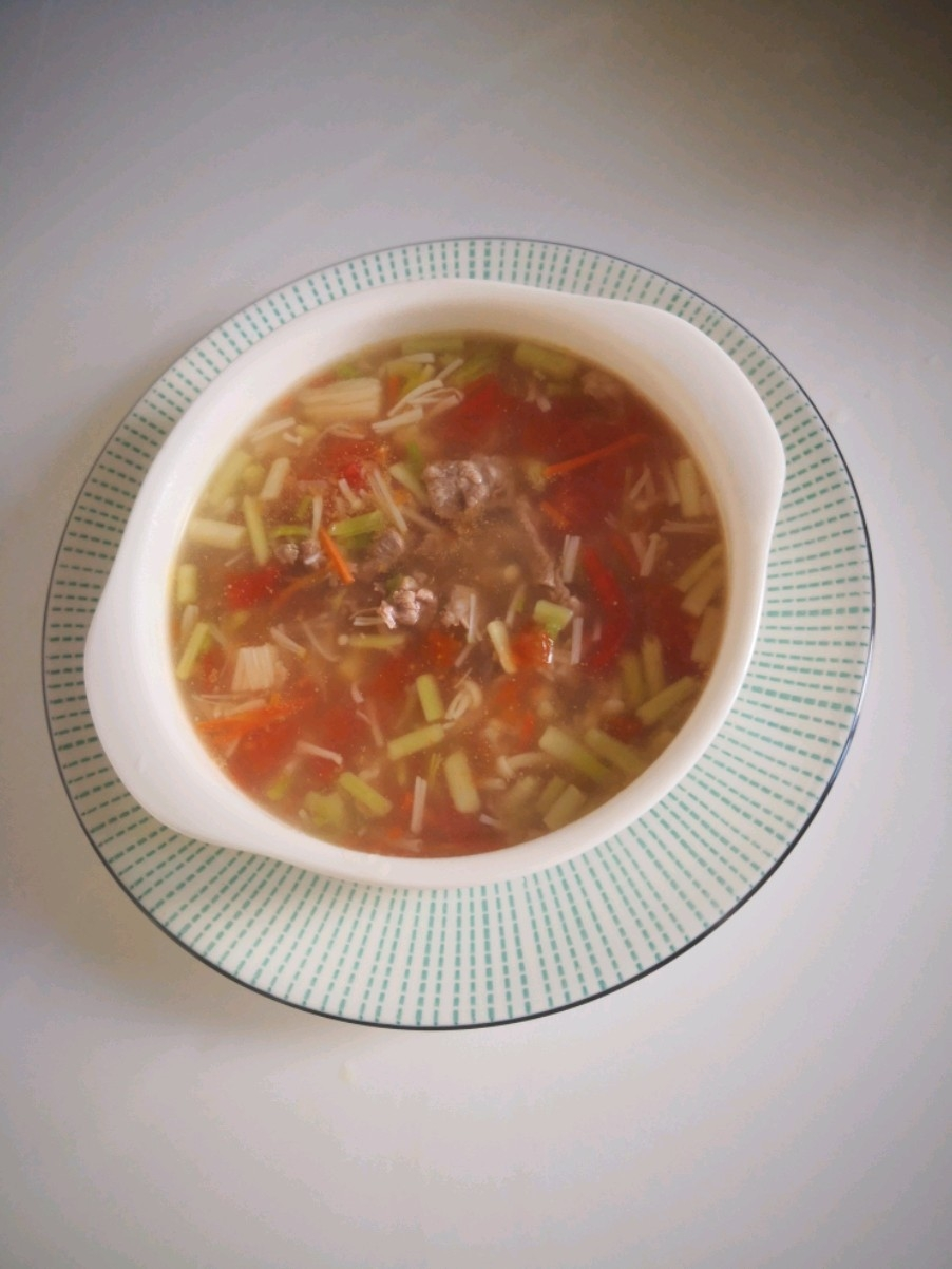 肥牛胡萝卜番茄汤