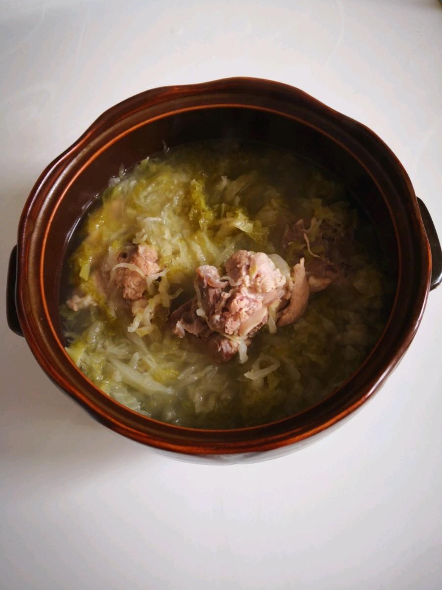 脊骨酸菜汤