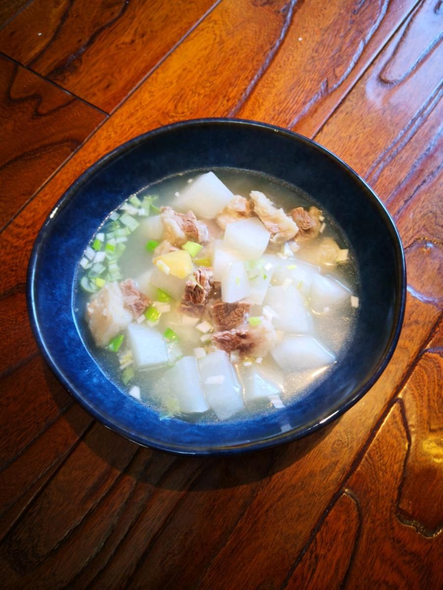 白萝卜牛肉汤