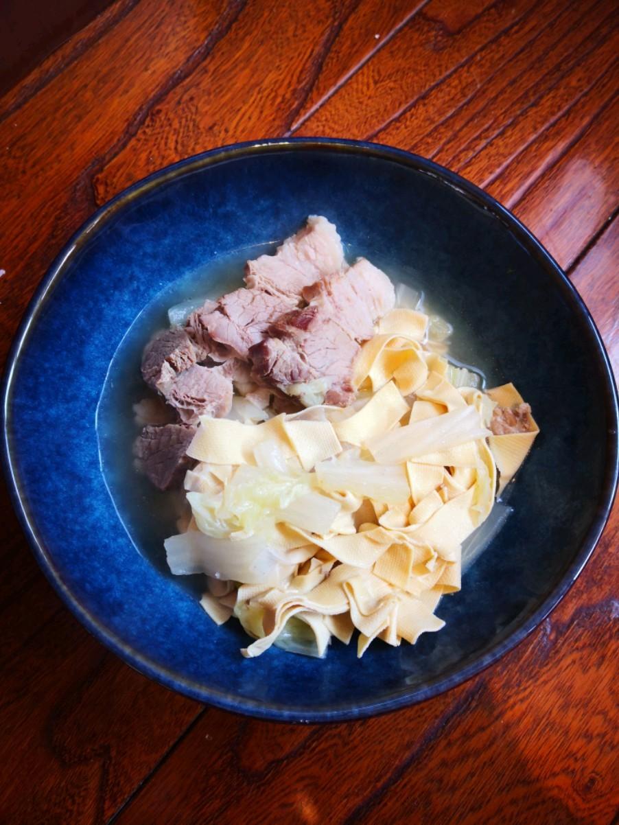五花肉炖干豆腐