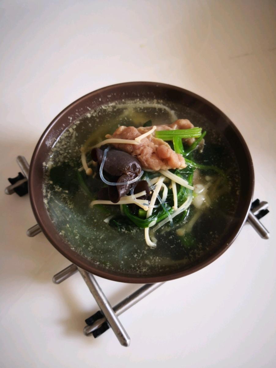 菠菜木耳汤