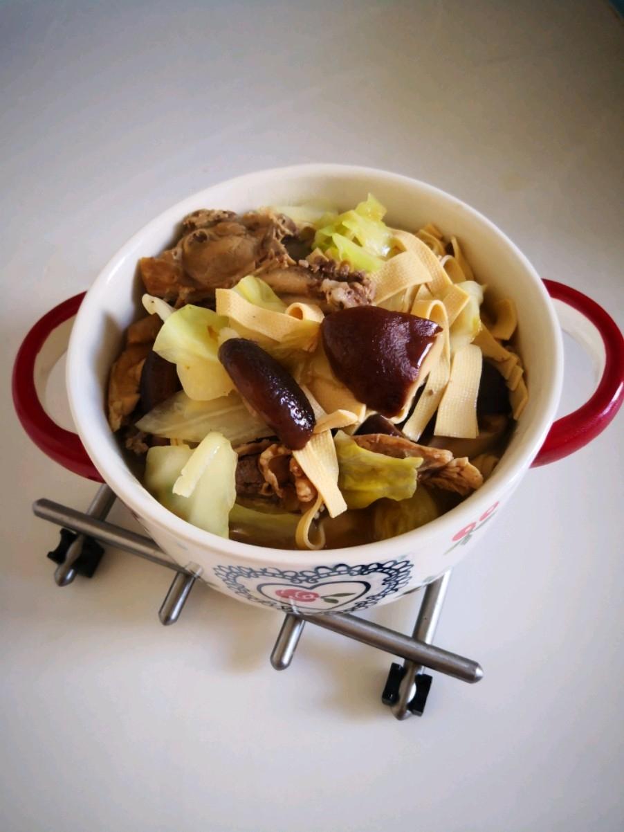 鸡架炖卷心菜干豆腐