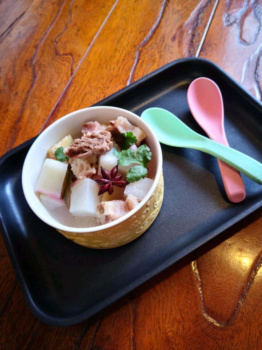 大红萝卜牛肉汤