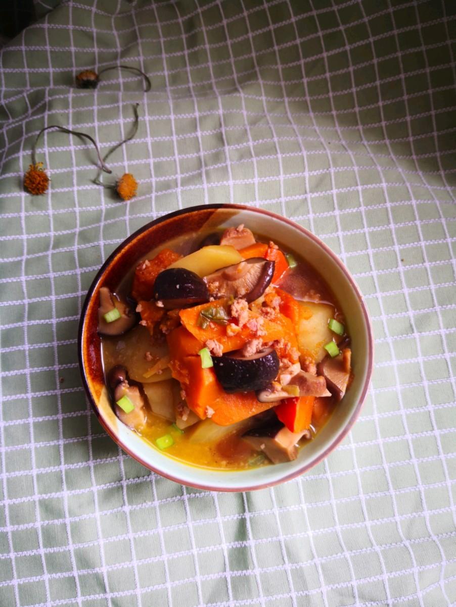 肉馅香菇炖土豆