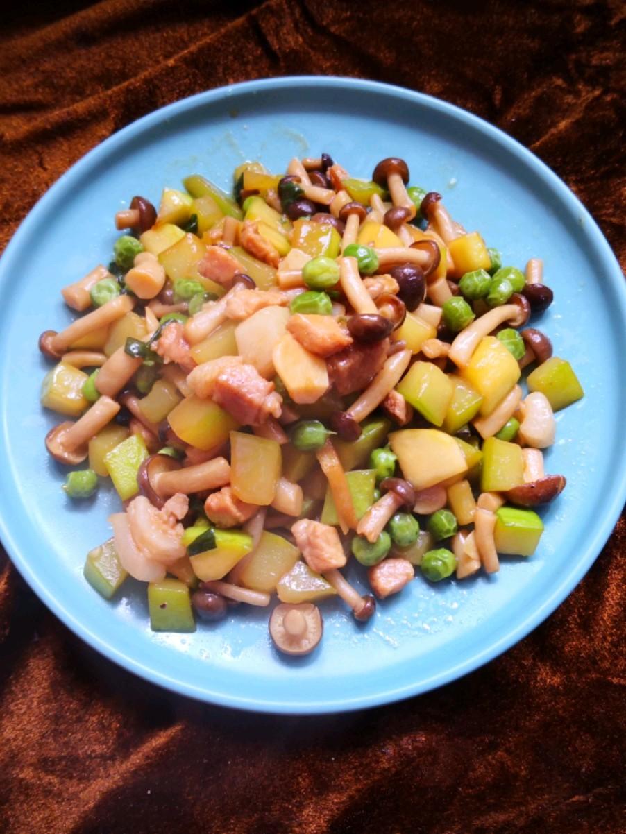 角瓜炒蟹味菇