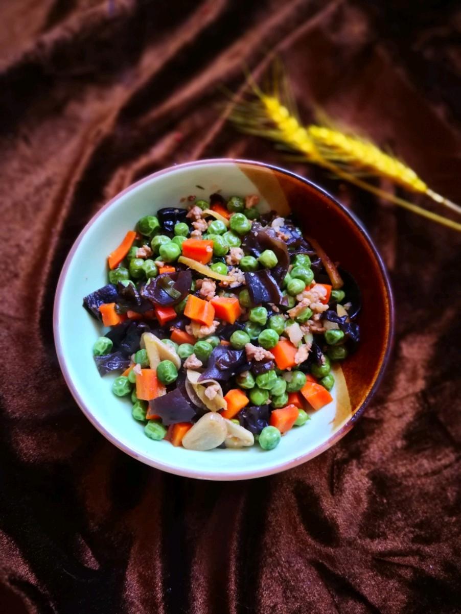 豌豆炒木耳