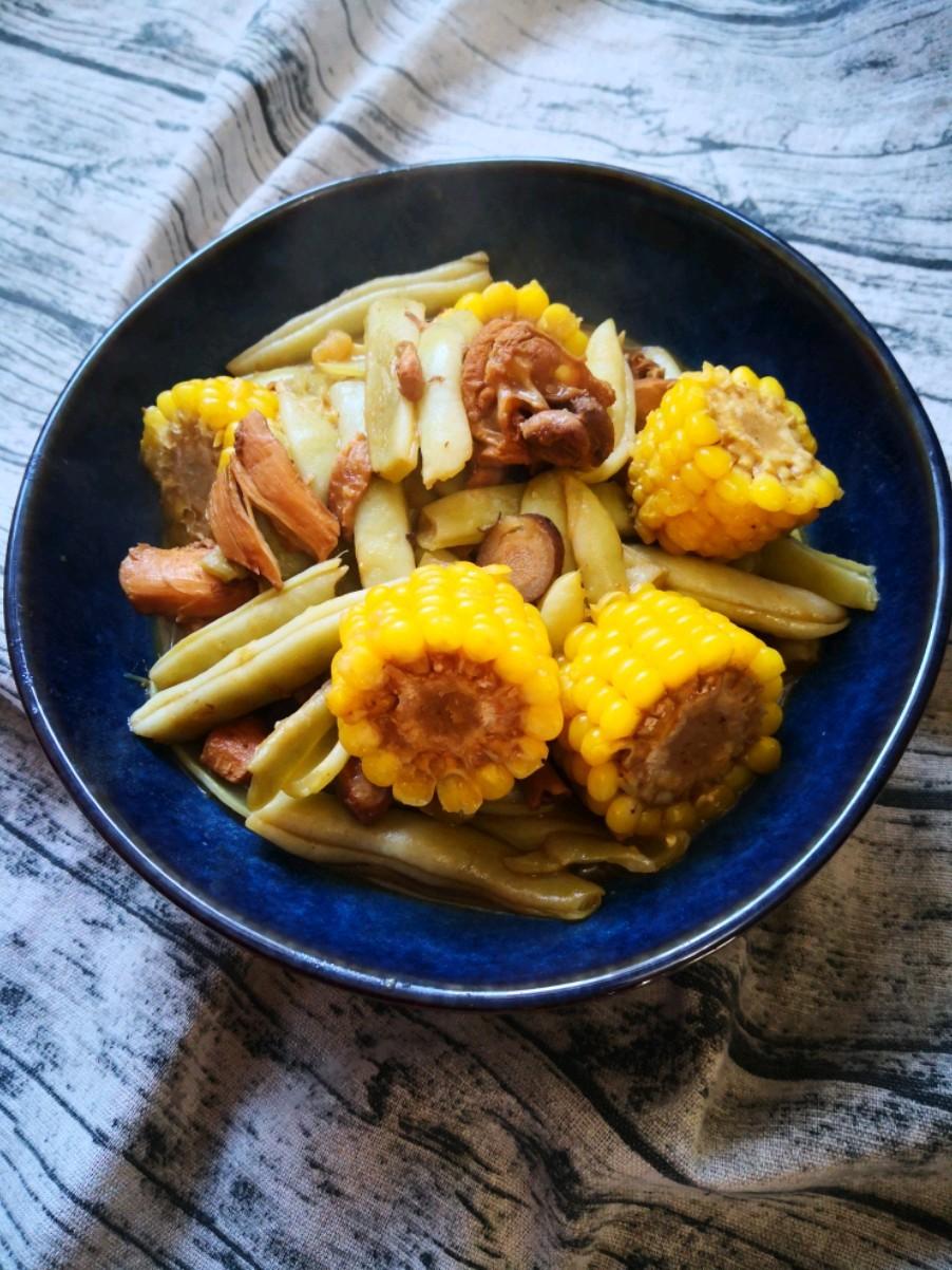 玉米棒炖芸豆