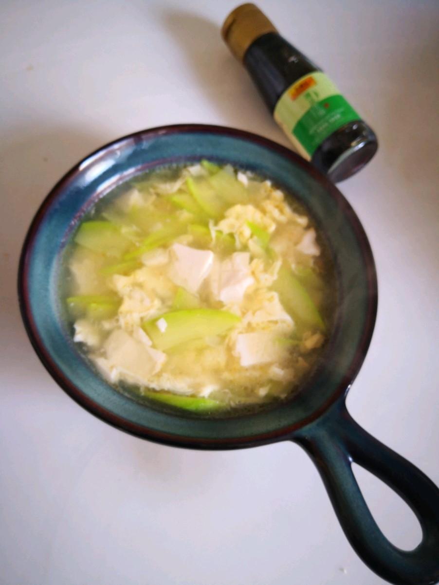 西葫芦豆腐汤