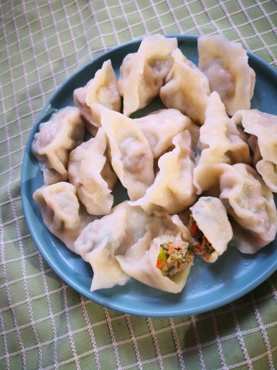胡萝卜小白菜水饺