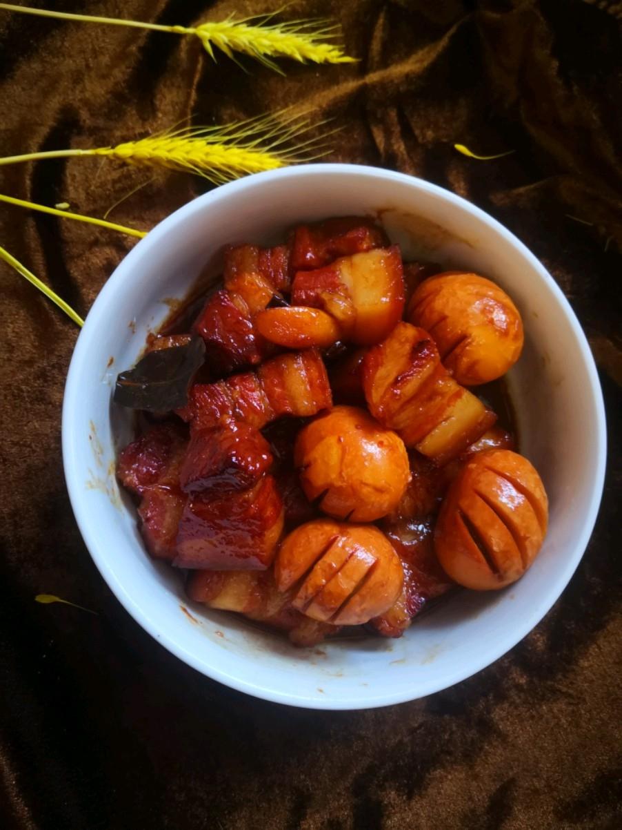 红烧肉焖蛋