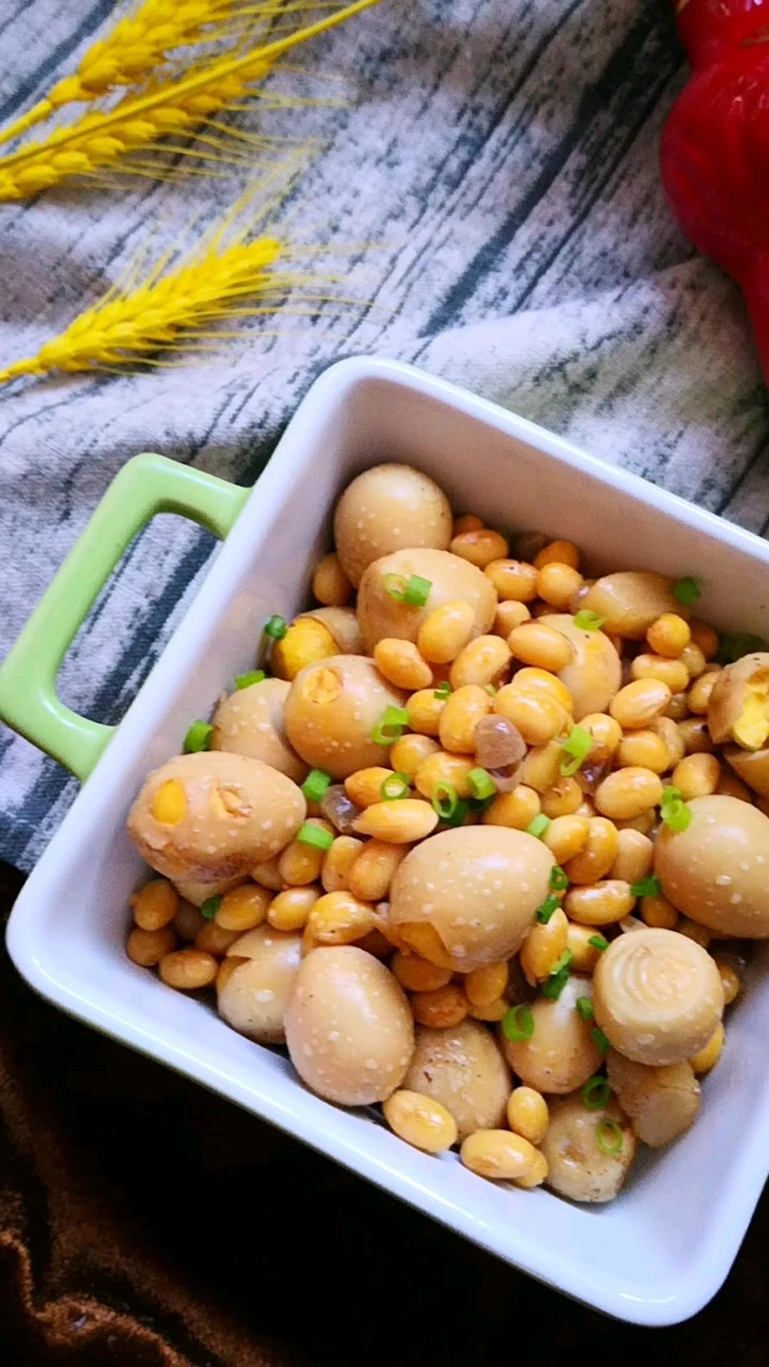 鹌鹑蛋酱黄豆的做法