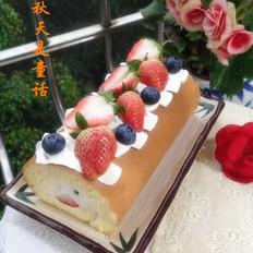 草莓蓝莓蛋糕卷