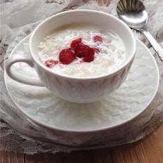 踏雪寻莓-蔓越莓牛奶炖雪燕