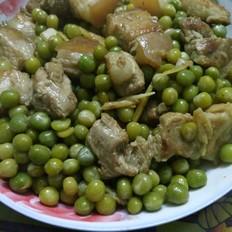 五花肉焖豌豆