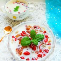 牛奶炖桃胶的做法大全