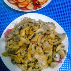 泡椒炒蘑菇肉片
