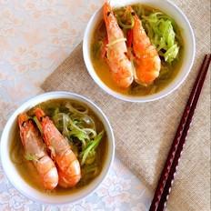 萝卜丝宽粉炖虾
