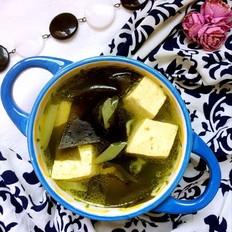 家常海带豆腐汤