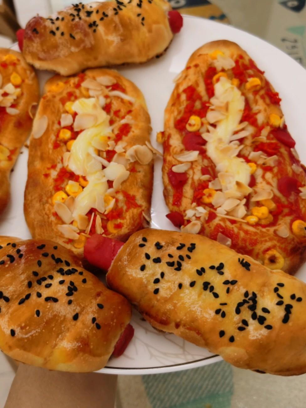 玉米火腿沙拉包的做法