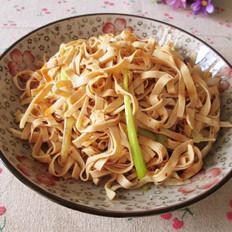 大葱炝干豆腐丝