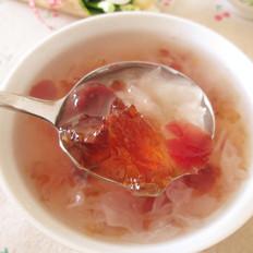 蔓越莓桃胶银耳羹