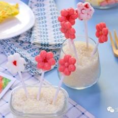 草莓酸奶棒棒糖  宝宝辅食食谱