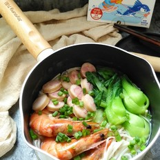 鱼肠鲜虾海鲜面