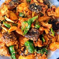 香菇土豆炒鸡肉