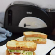 香蕉吐司三明治