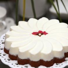 樱花酸奶巧克力慕斯蛋糕