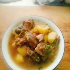 肘子肉炖茄子土豆