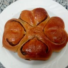 四朵豆沙面包