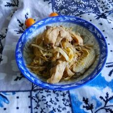 三黄鸡炖黄花菜