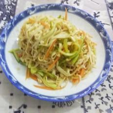 拌黄瓜干豆腐