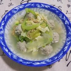 西生菜丸子汤