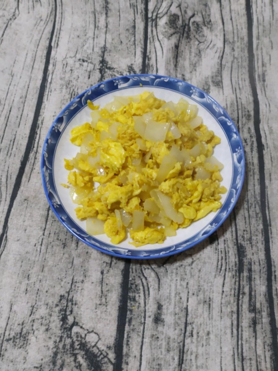 鸡蛋炒洋葱