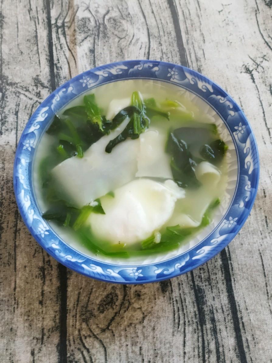 菠菜鸡蛋面片汤