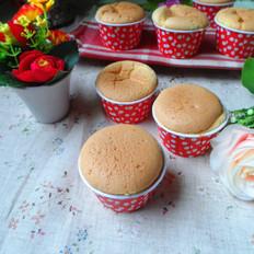 奶油蔓越莓纸杯蛋糕