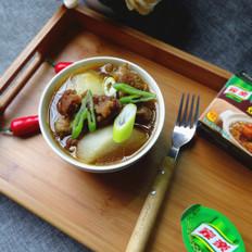 砂锅萝卜牛腩的做法