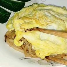 蔬菜肉丝蛋炒面