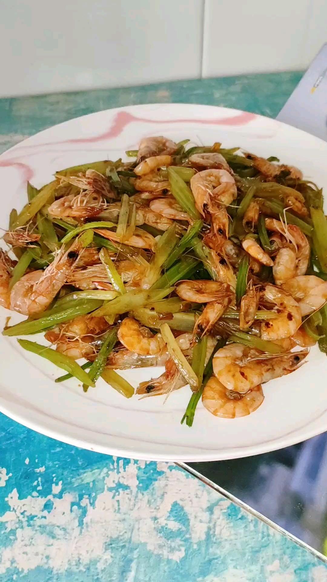 芹菜小河虾