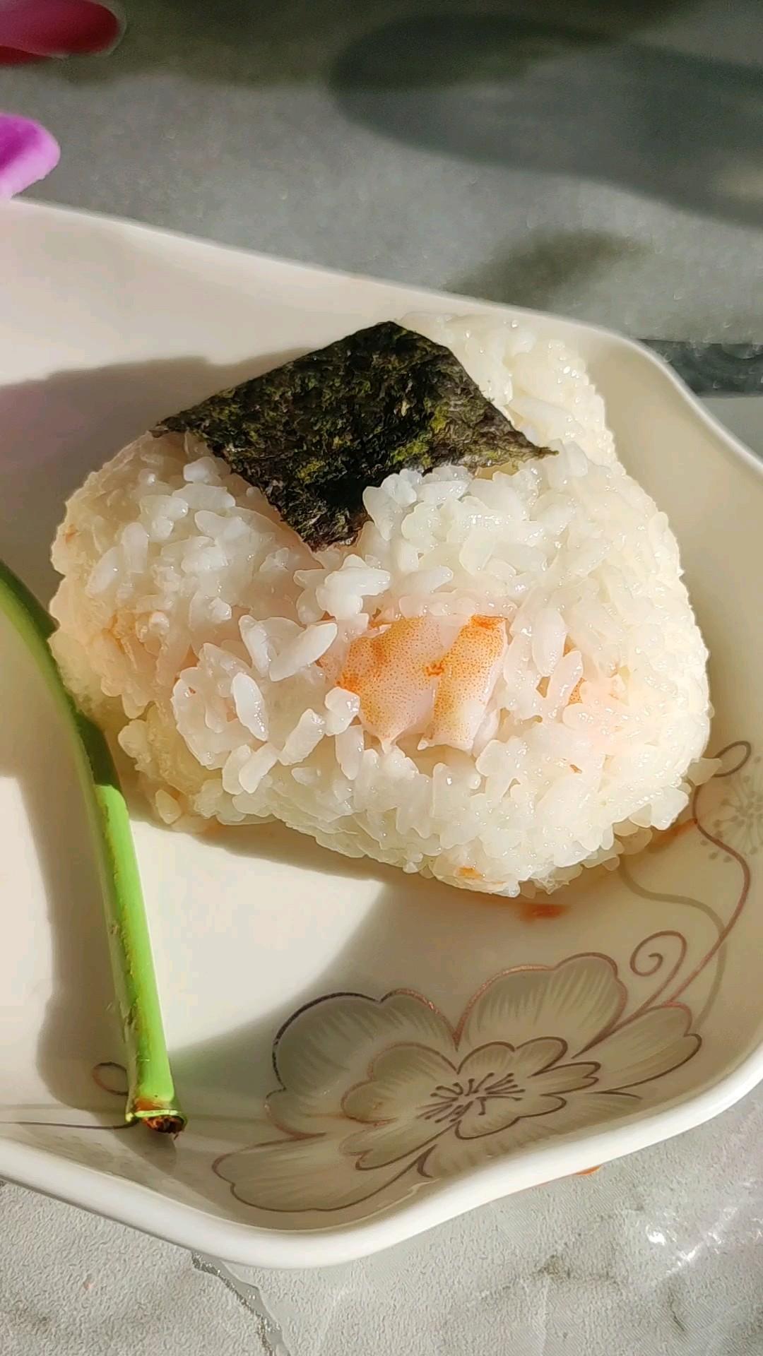 鲜甜兼得的鲜虾饭团