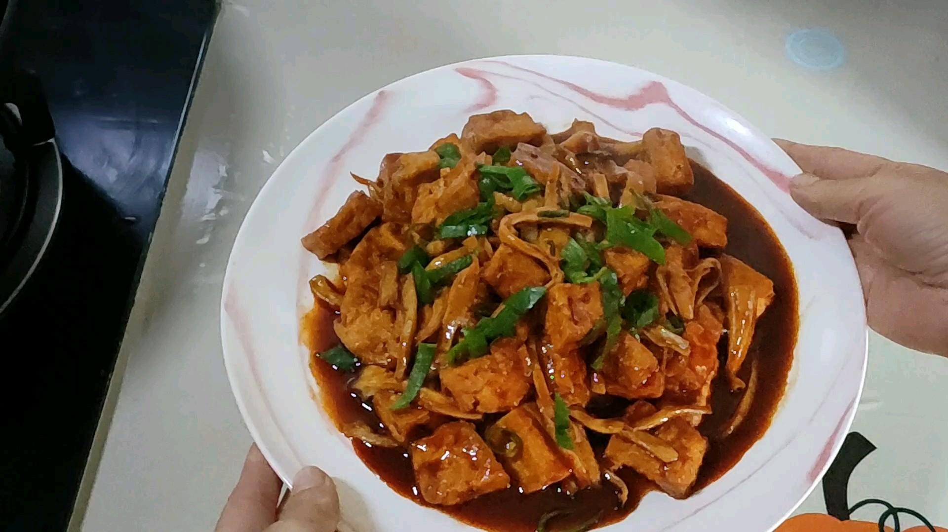 豆腐和杏鲍菇更配哦的做法