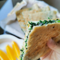 韭菜木耳鸡蛋饼