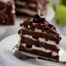魔法黑森林蛋糕