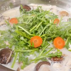 养生椰桨菌菇汤